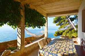Ideal house for one or two families or a group, island Hvar